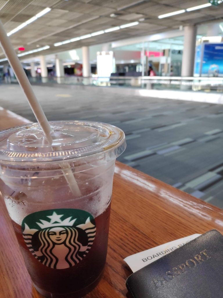 starbucks don muang during covid